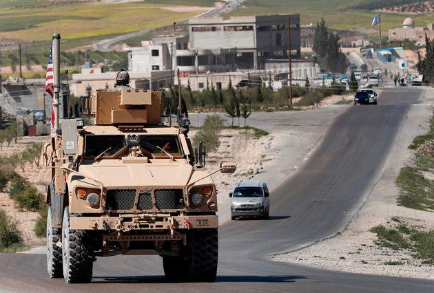 Οι ΗΠΑ απομακρύνουν τον στρατιωτικό τους εξοπλισμό από τη