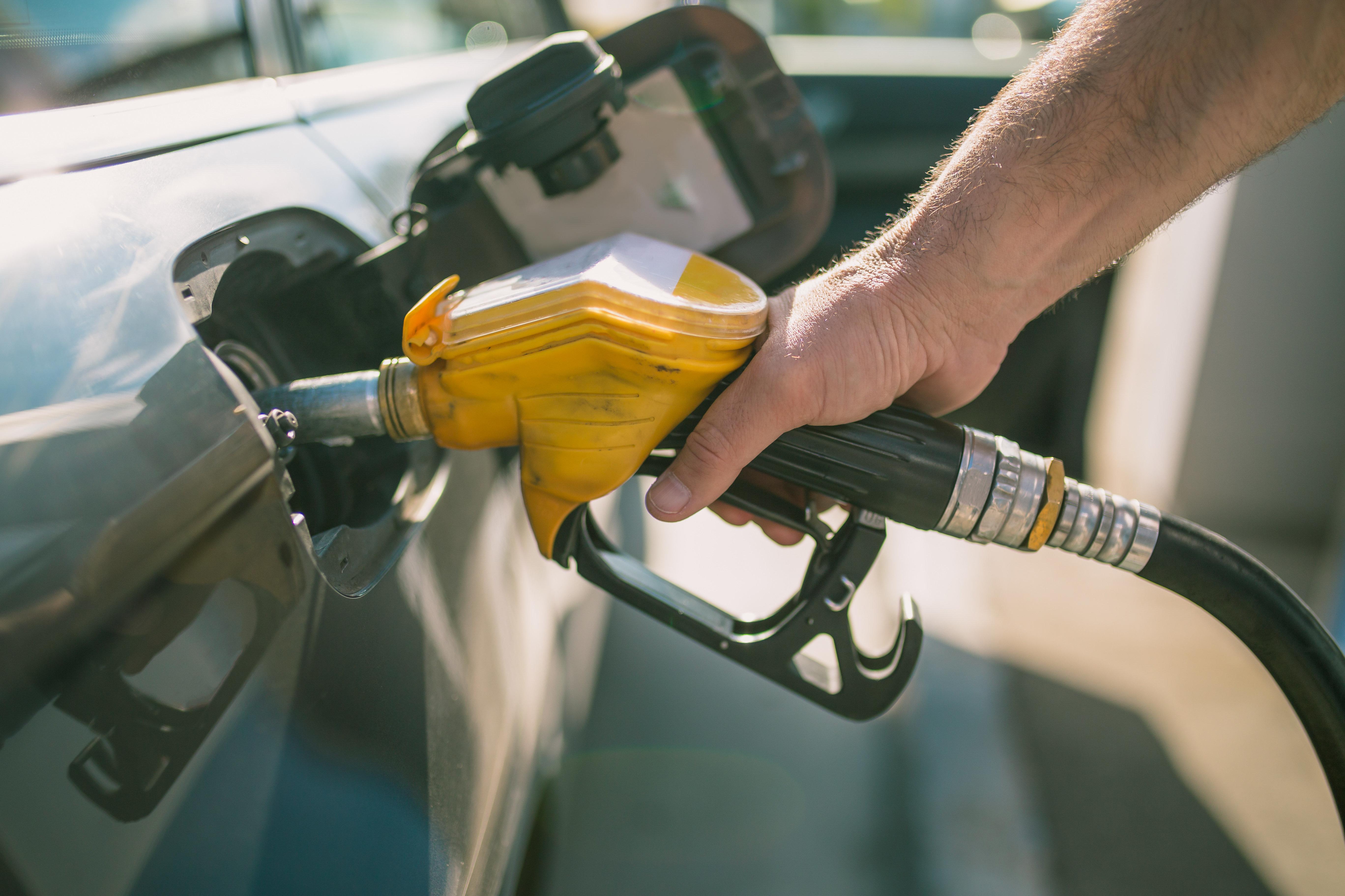 Slim Feriani: Aucune baisse du prix du carburant n'est