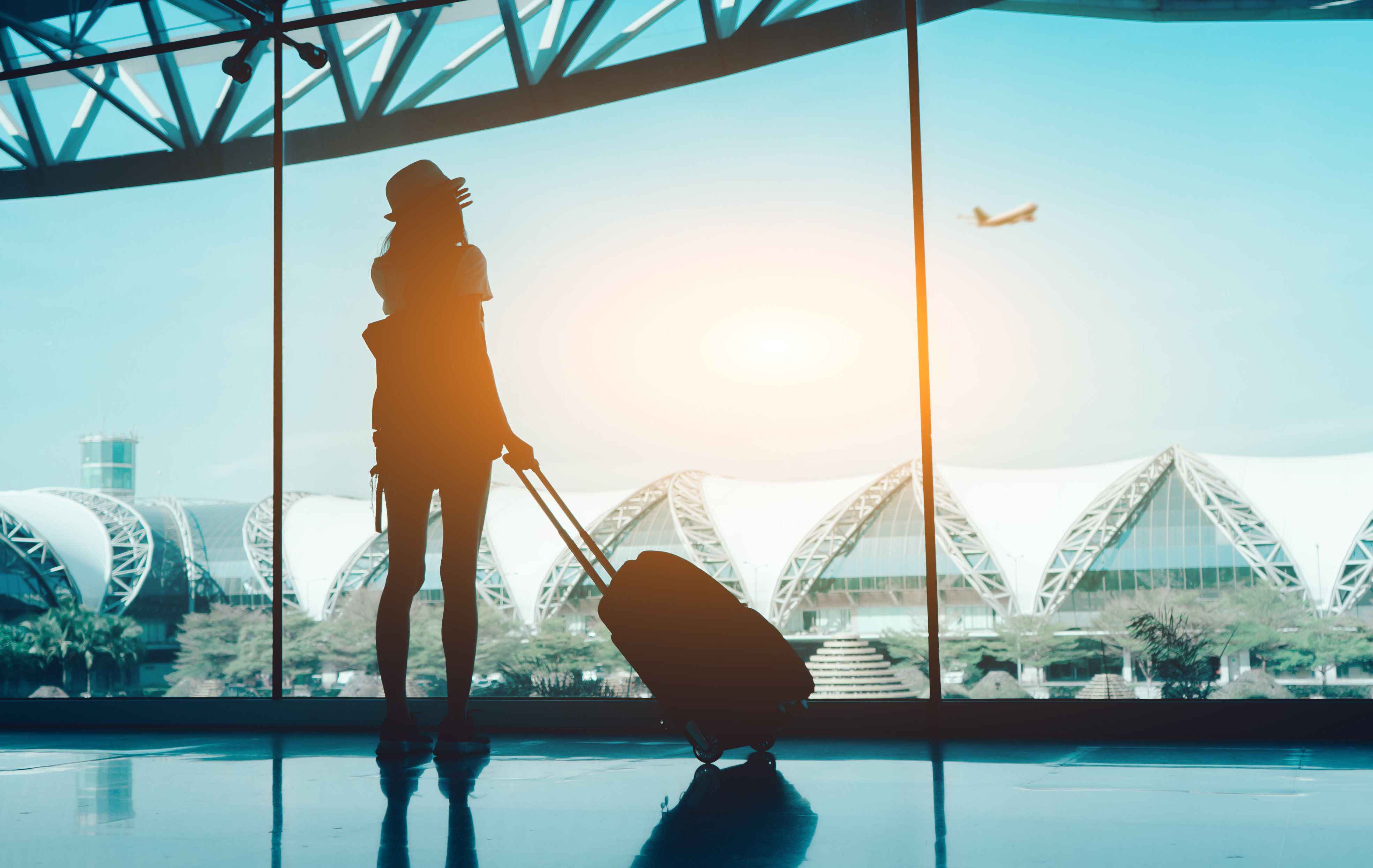 Is January the best time of year to score cheap flights? We asked travel experts.