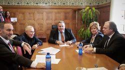 ΑΝΕΛ: Ο Καμμένος πασχίζει να συνεννοηθεί με τους βουλευτές