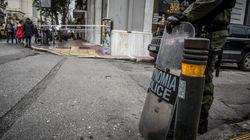 Τραυματισμός αστυνομικού σε επίθεση κουκουλοφόρων στην
