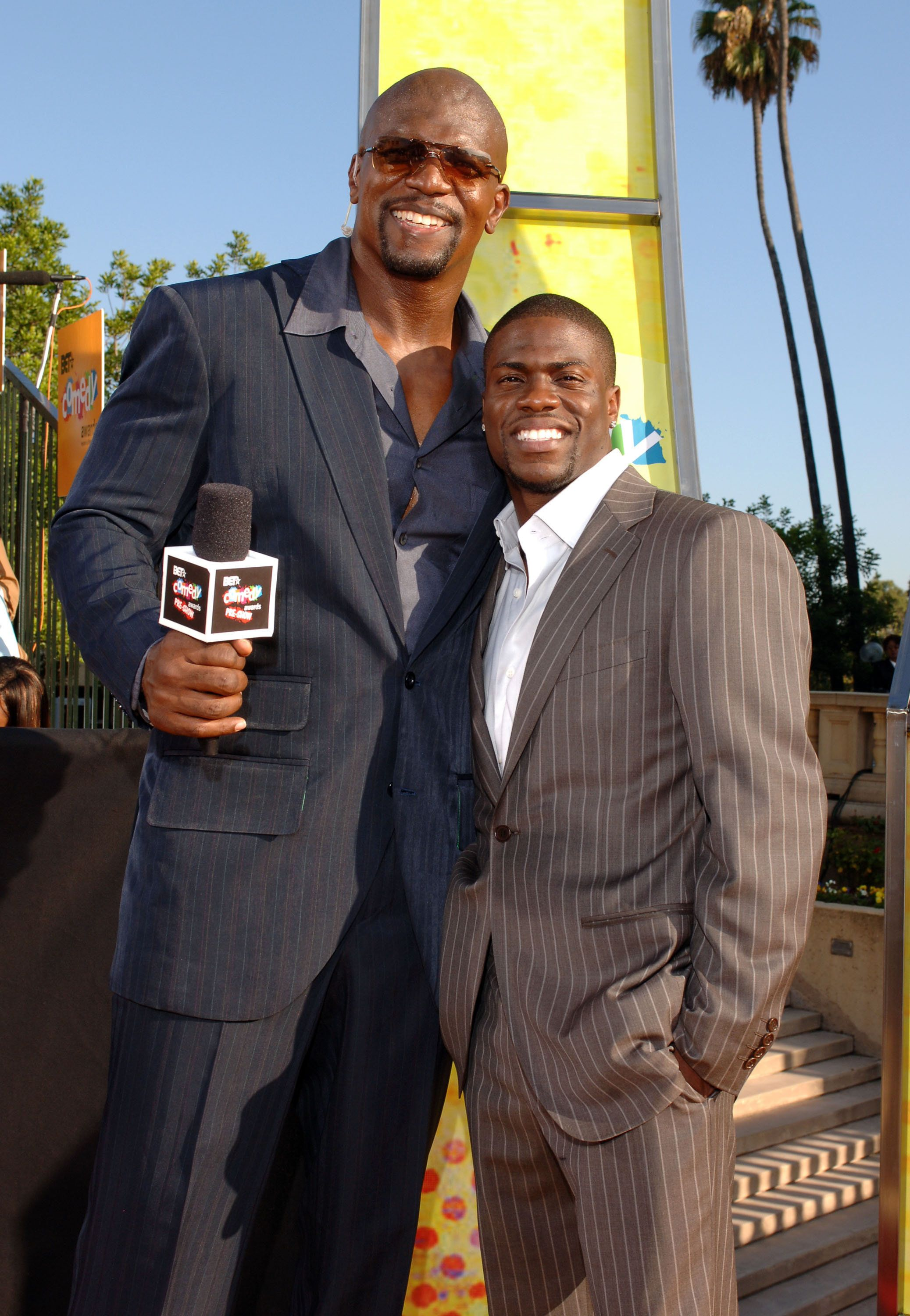 Terry Crews and Kevin Hart on the 2005 BET Comedy Awards' red carpet.