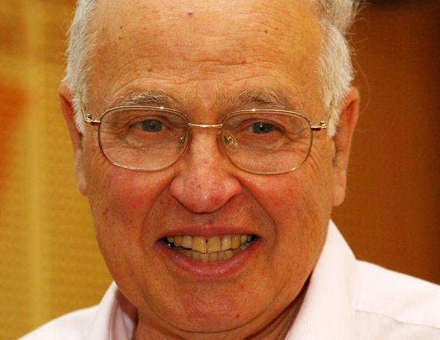Απεβίωσε ο Μάικλ Ατίγια, ένας από τους σημαντικότερους μαθηματικούς του