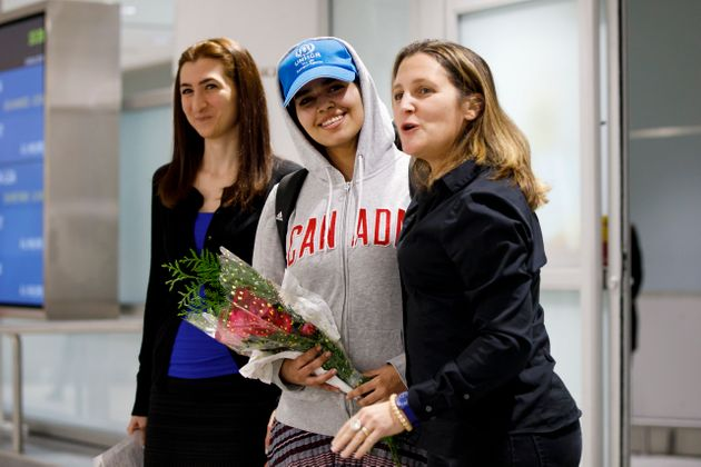 Saudi Teen Who Fled Her Family Offered Asylum In
