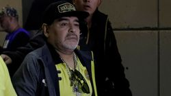 Maradona opéré avec succès, reste