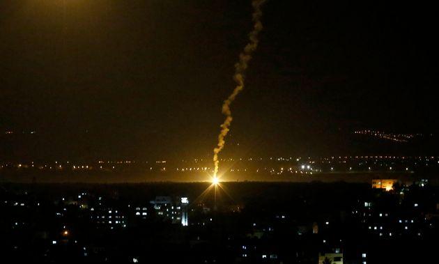 Ισραηλινά πλήγματα στη Λωρίδα της Γάζας μετά από εκτόξευση ρουκέτας από τη