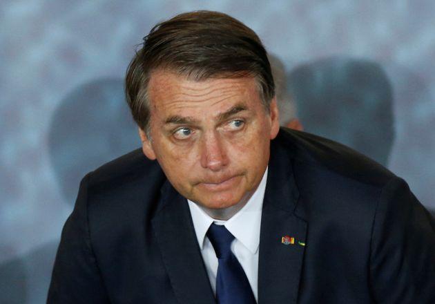 O presidente Jair Bolsonaro tem compartilhado conteúdo postado por perfis falsos em seu