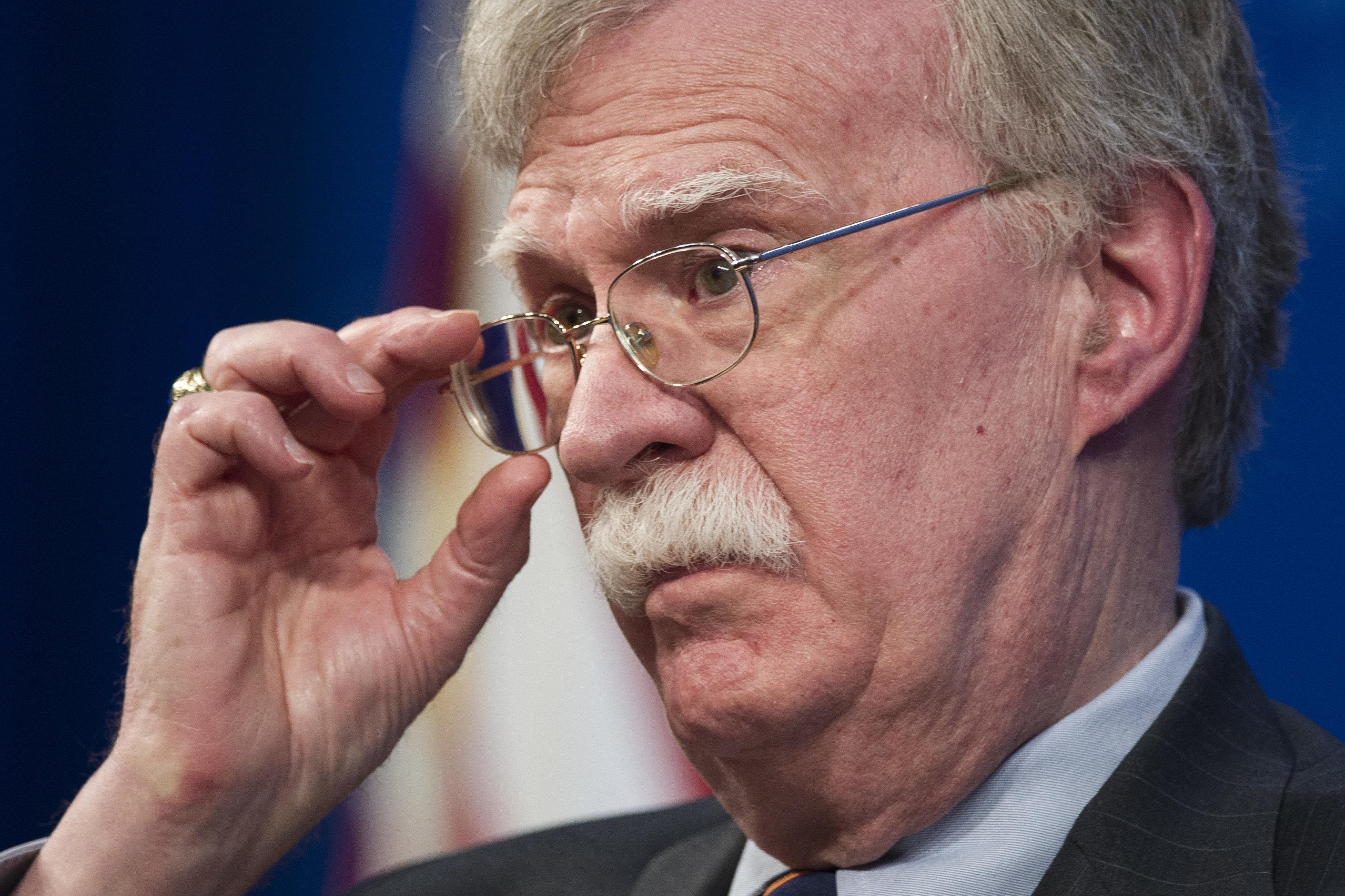El asesor de seguridad nacional John Bolton devela nueva estrategia para África del gobierno del presidente Donald Trump en la Fundación Heritage en Washington, el jueves 13 de diciembre de 2018. (AP Foto/Cliff Owen)