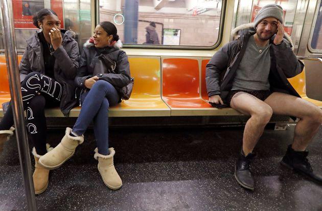 '바지 안 입고 지하철 타기' 행사에 참여한 전 세계 시민들의 모습