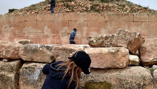 """Tiaret: Vieilles de 16 siècles, les """"pyramides"""" de Frenda gardent de nombreux"""