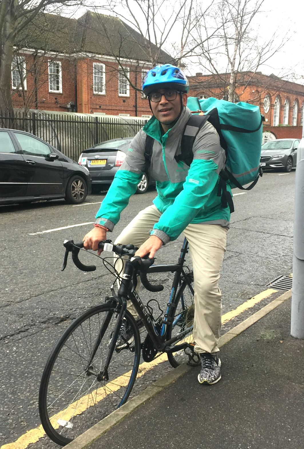 Man Who Became Deliveroo Cyclist To Lose Weight Is Giving All His Earnings