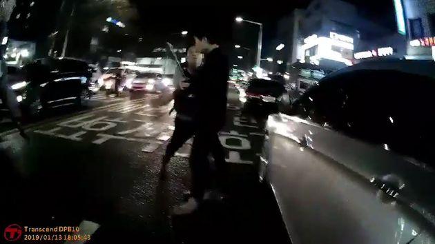 암사역 칼부림 사건 경찰 측 제압 영상
