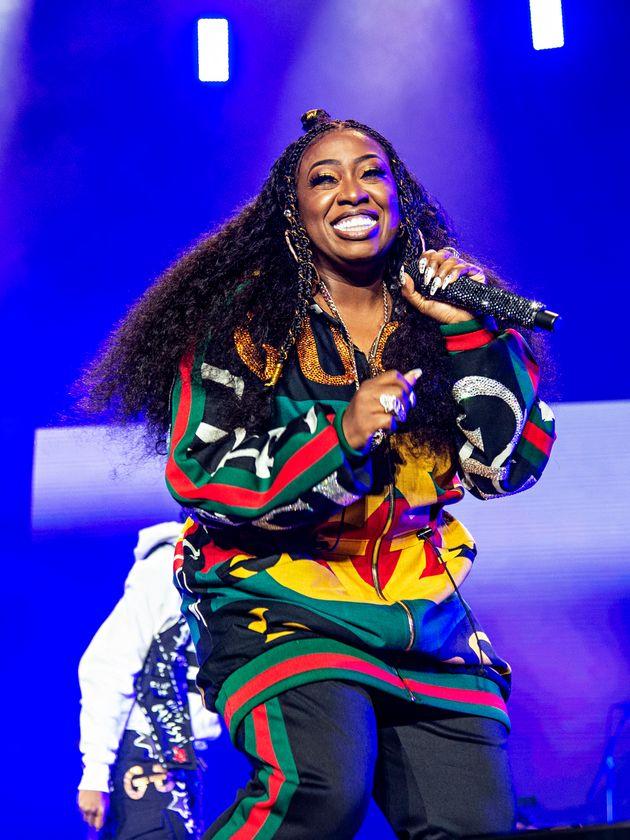 Missy Elliott foi a 4ª rapper a receber um disco de platina na história, com o álbum...