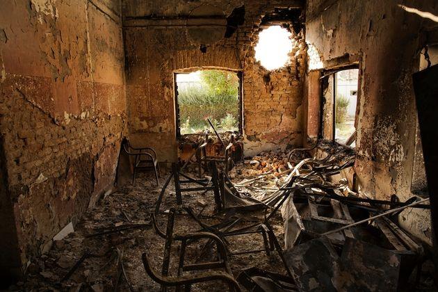 2015년 10월 3일, 공습 이후 불에 탄채 남아있는 국경없는의사회 아프가니스탄 쿤두즈 외상병원의 내부