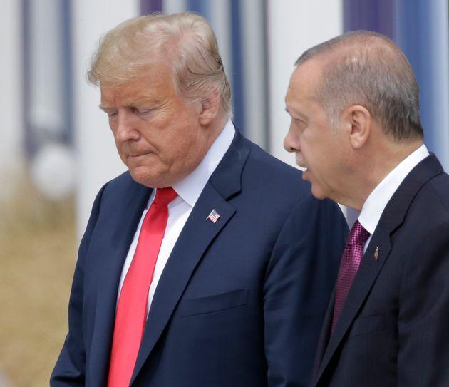 Από εκεί που ο Τραμπ θα γονάτιζε την τουρκική οικονομία τώρα λέει στον Ερντογάν να κάνουν