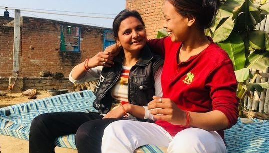 인도 시골 마을에서 '결혼' 선언한 레즈비언 커플을 만났다