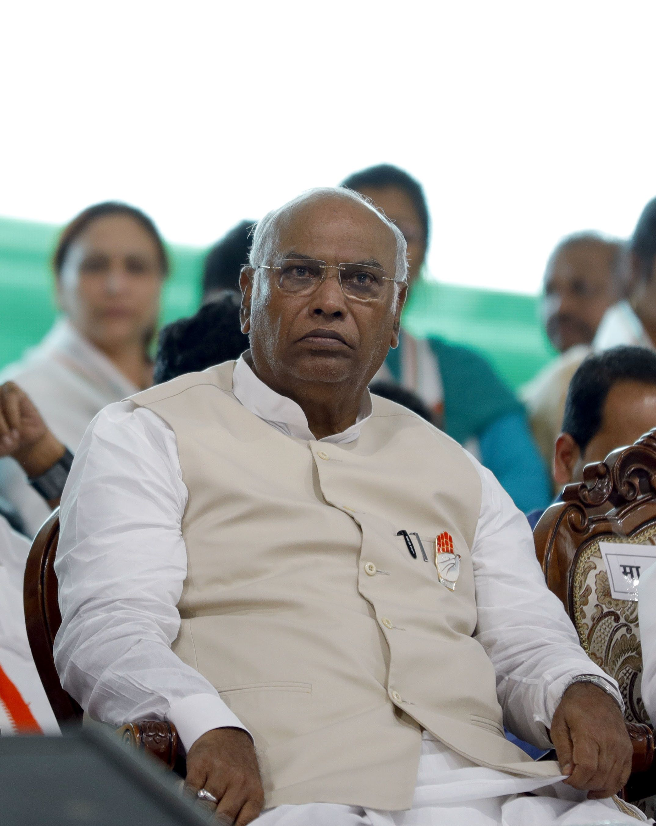 Make CVC Report On Alok Verma, Minutes Of Meeting Public: Kharge To