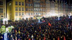 Les images impressionnantes de l'hommage des Polonais à leur maire poignardé à
