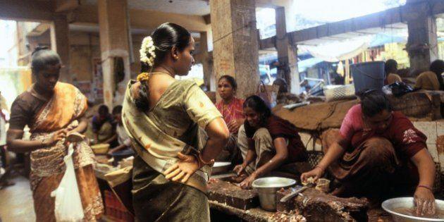 INDIA - CIRCA 1900: Market in Pondychery, India. (Photo by Veronique DURRUTY/Gamma-Rapho via Getty