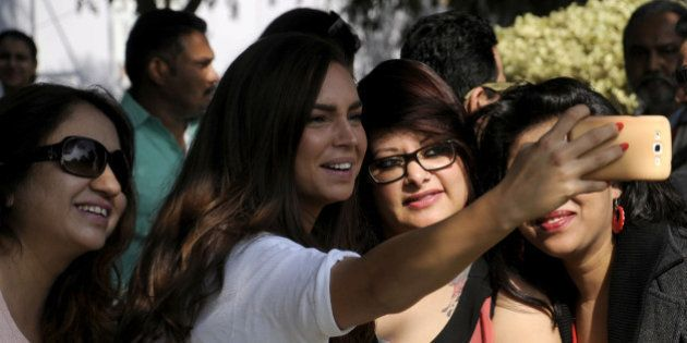 GURGAON, INDIA - DECEMBER 4: Chef Sarah Todd taking the selfie with her fans during Hindustan Times The...