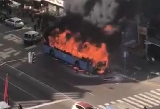 Casablanca: un bus prend feu sur le boulevard d'Anfa, aucun blessé à