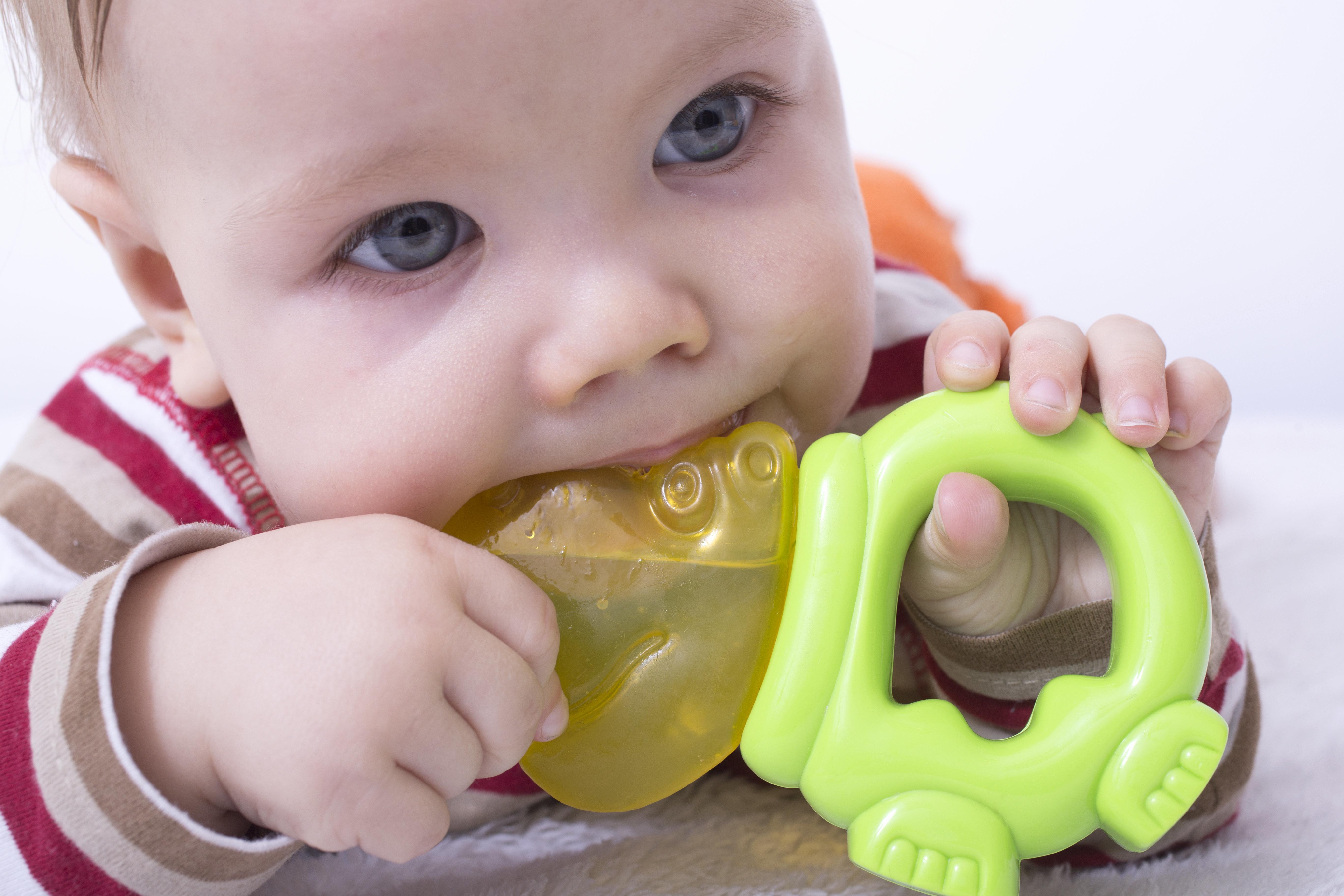 Os brinquedos que nossos filhos utilizam sempre contêm
