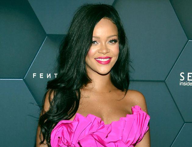 Η Rihanna πήγε στα δικαστήρια τον πατέρα της - Η απάτη, οι κακές σχέσεις και τα άσχημα παιδικά