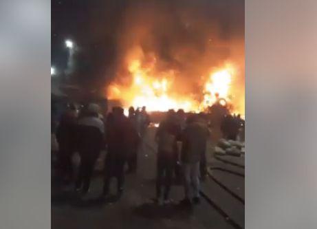 Un énorme incendie dans un marché de gros à Casablanca sème la