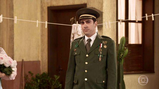 Marcelo Adnet dá vida a um capitão Jair, novo dono da 'Vila Militar do