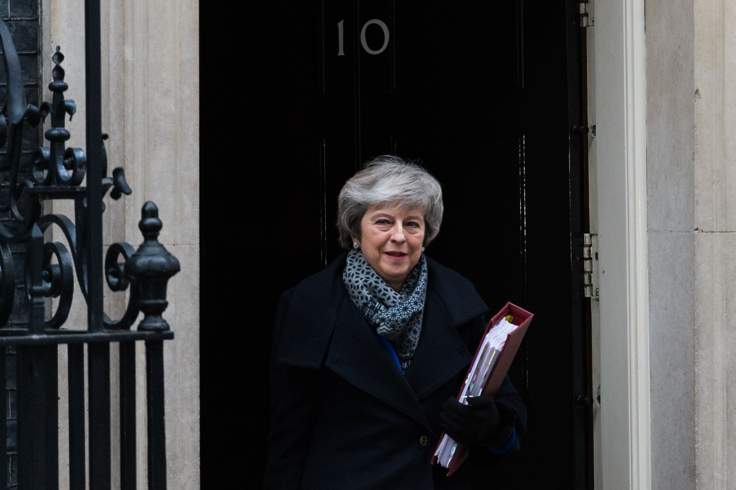 Westlake Legal Group 5c3f2d492500003300c58f87 UK Prime Minister Theresa May Faces No Confidence Vote