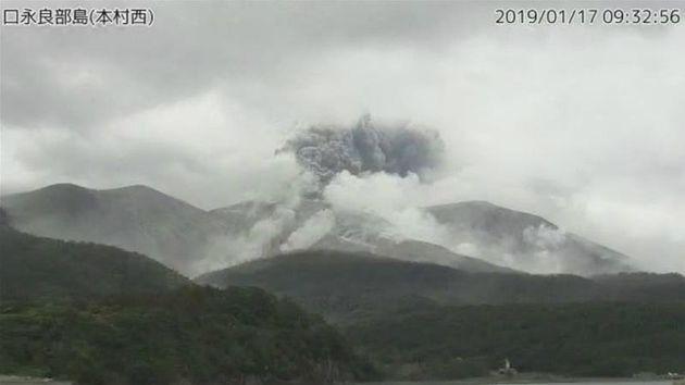 Έκρηξη ηφαιστείου σε νησί της Ιαπωνίας - Τέφρα εκτοξεύτηκε σε απόσταση