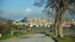 Σε πανέμορφη πόλη της Σικελίας, που ίδρυσαν αρχαίοι Έλληνες, πουλάνε τα σπίτια 1