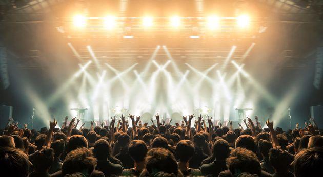 HuffPost Weekend: Παζάρι Βιβλίου, Erotikon, Γαλάνη-Μποφίλιου τραγουδούν