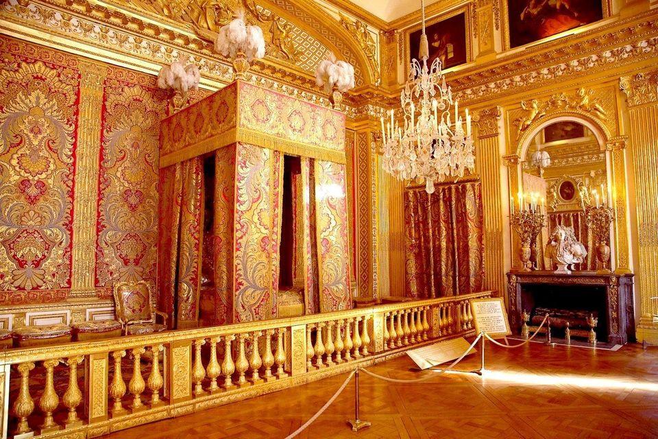 Vue de la grande chambre de parade au château de Versailles. Occupant le centre du palais, cette...