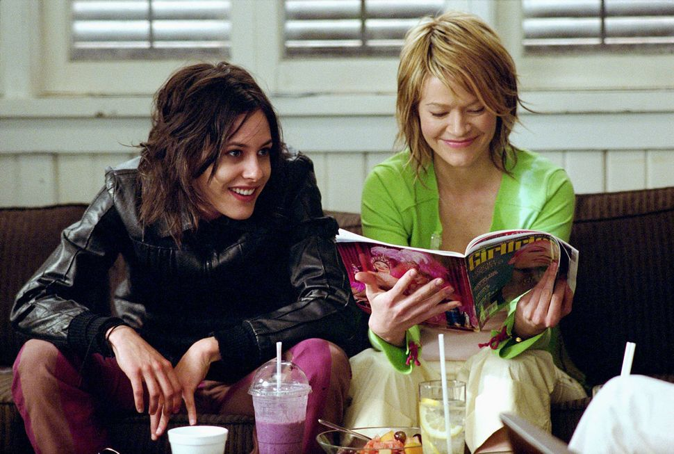 Heartthrob Shane McCutcheon, portrayed by Katherine Moennig, drinks smoothies with bicon Alice Pieszecki, portrayed