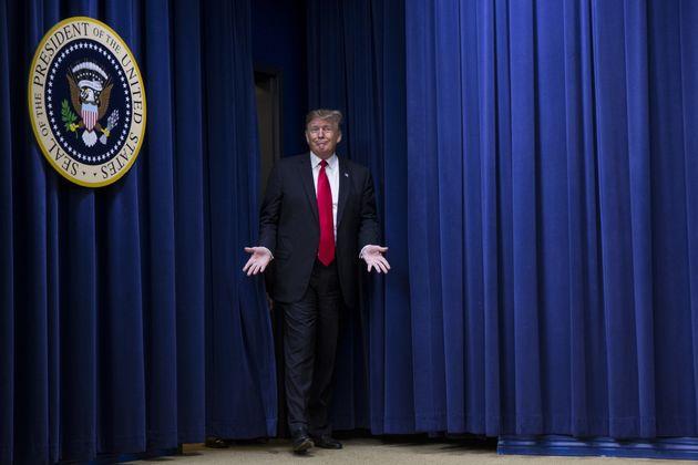 트럼프가 국정연설 연기 요청한 하원의장의 해외순방을