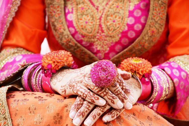 인도의 시골 마을에서 '결혼'을 선언한 레즈비언 커플을 만났다