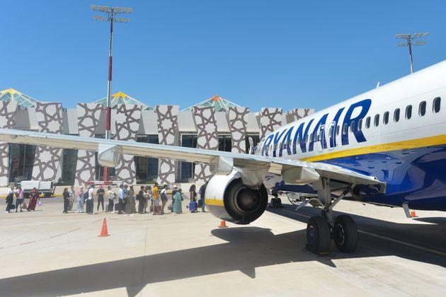 Un avion de la compagnie Ryanair à l'aéroport de Fès, en