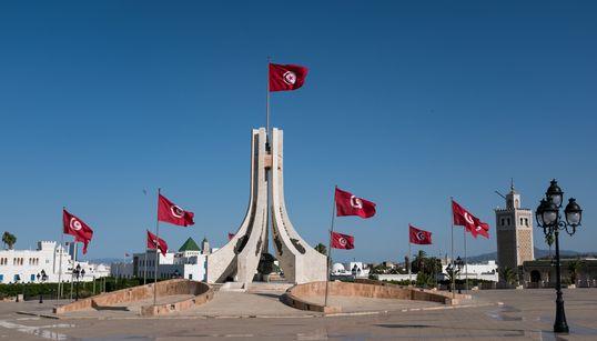 L'État devrait diviser par deux le nombre de fonctionnaires, estime le président de la CONECT, Tarek