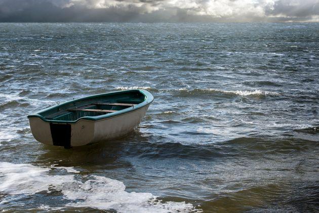 Une embarcation avec 54 migrants fait naufrage entre le Maroc et l'Espagne, le seul rescapé