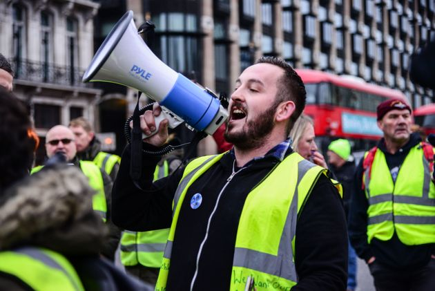 Who Are The UK Yellow Vest