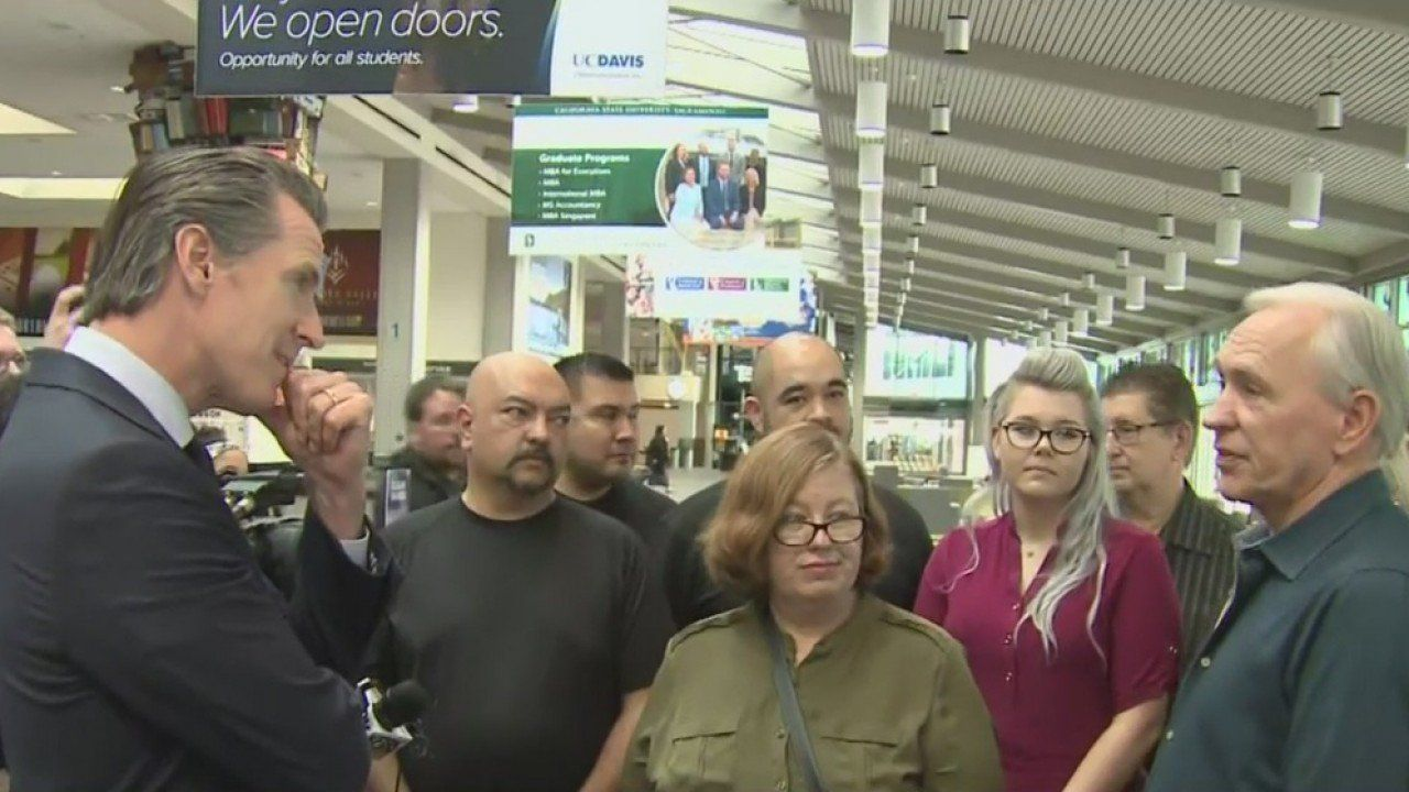 California Encourages TSA Workers To Sign Up For Unemployment Despite Federal Guidance
