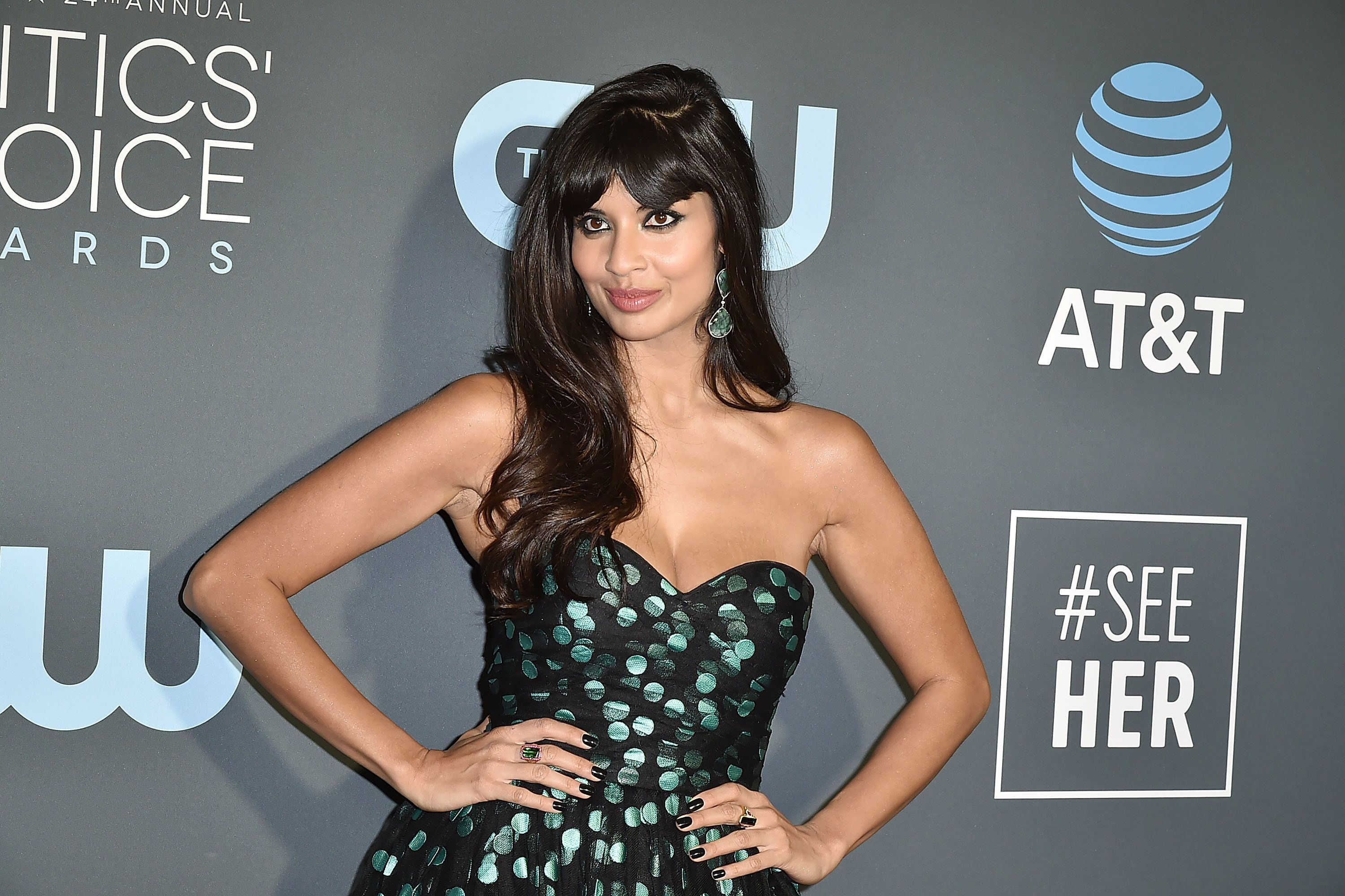 SANTA MONICA, CA - JANUARY 13:  Jameela Jamil attends the 24th Annual Critics' Choice Awards - Arrivals at Barker Hangar on January 13, 2019 in Santa Monica, California.  (Photo by David Crotty/Patrick McMullan via Getty Images)