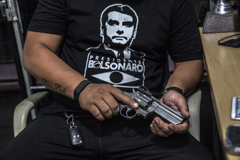 Fragmentar trabalho da PF no controle de armas é retroceder, diz vice-presidente de associação da