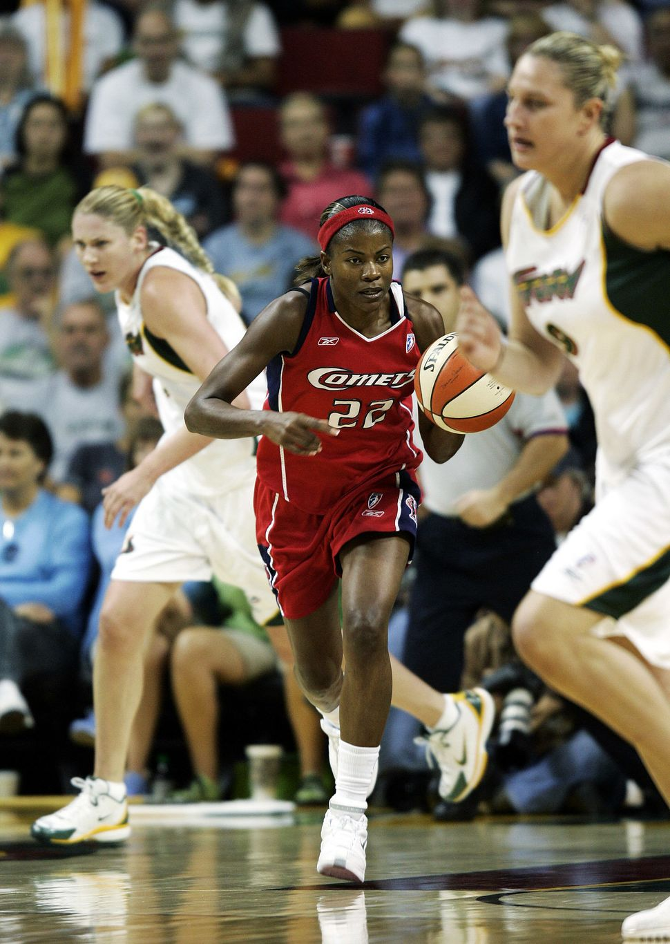 Sheryl Swoopes was the first athlete ever to sign with a WNBA team.