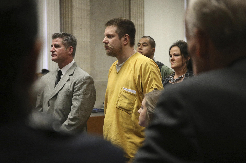 Westlake Legal Group 5c42529120000001016bbaf6 Ex-Chicago Officer Jason Van Dyke Sentenced In Laquan McDonald Murder