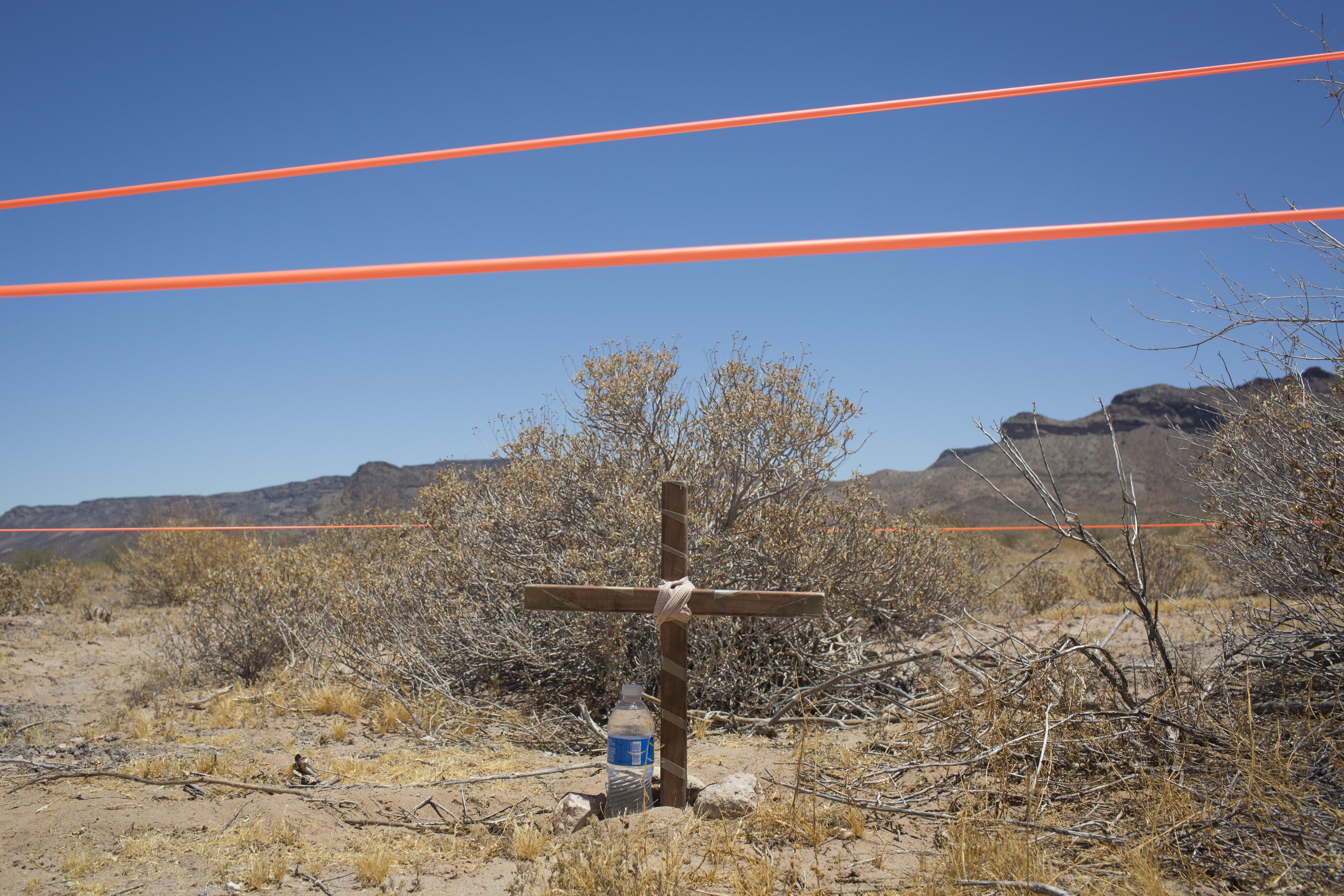 Γυναίκες καταδικάστηκαν επειδή άφησαν νερό και τροφή στην έρημο για τους
