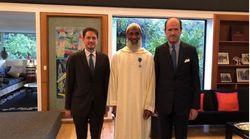L' Ambassadeur de France au Maroc remet l'Ordre du Mérite au jardinier de la Résidence de