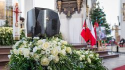 Murdered Polish Mayor's Funeral Draws Crowd Of 45,000 In