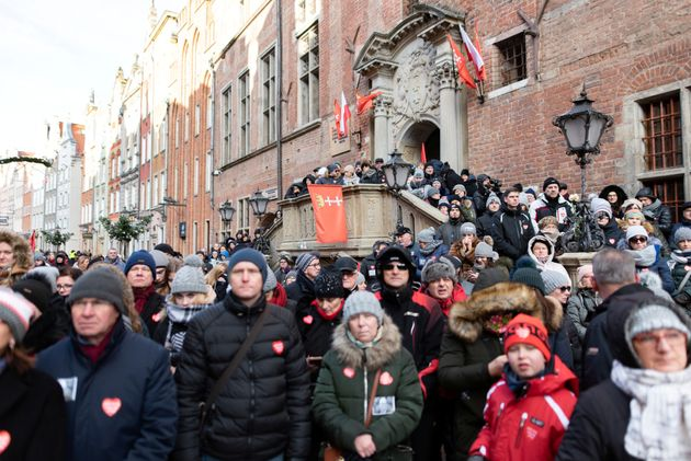 Pawel Adamowicz: Murdered Polish Mayor's Funeral Draws Crowd Of 45,000 In